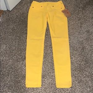 NWT True Religion gold corduroy jeans